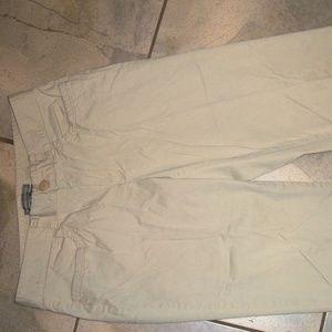 Dockers Ideal Fit Khaki/ Beige Cotton Long Shorts